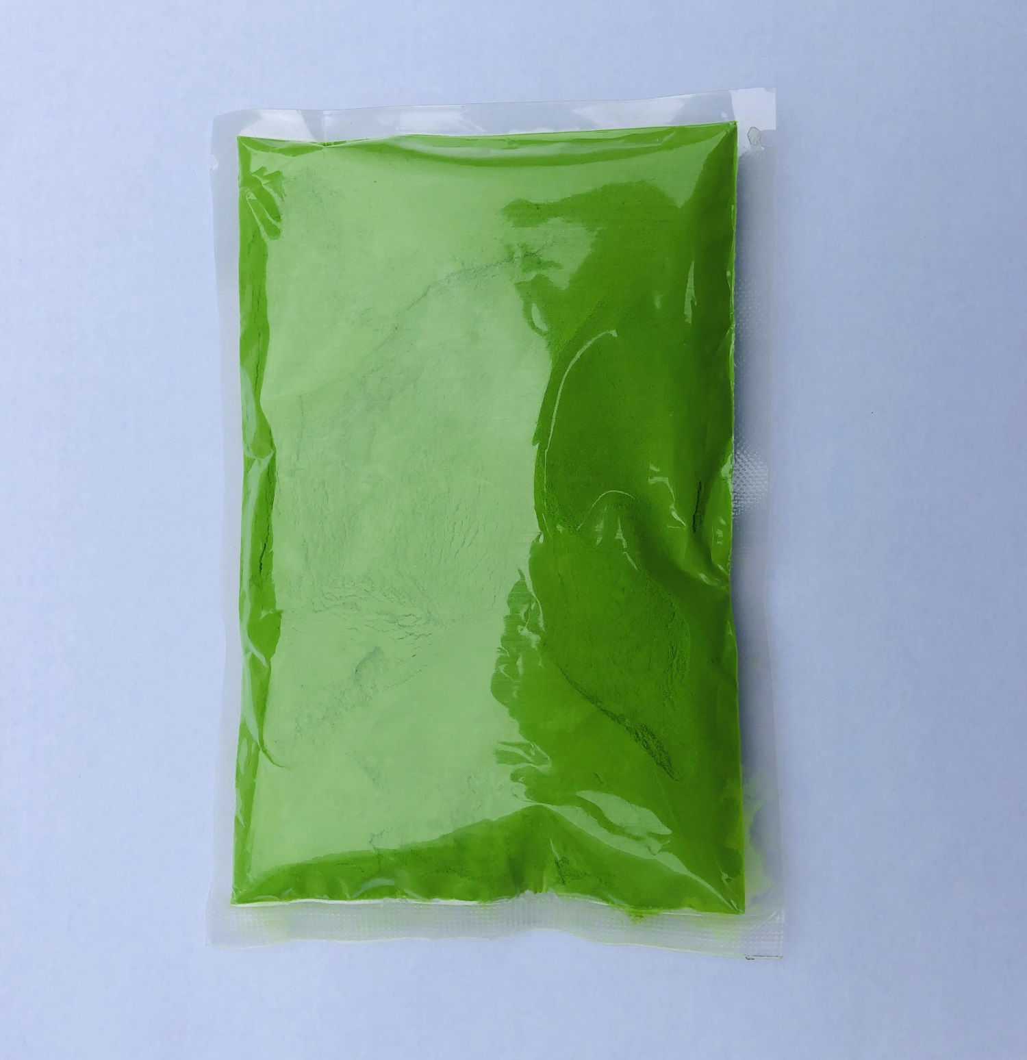green-color-powder-packets